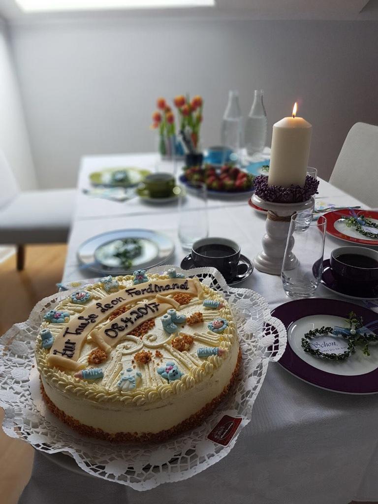 Vanille-Buttercreme-Torte